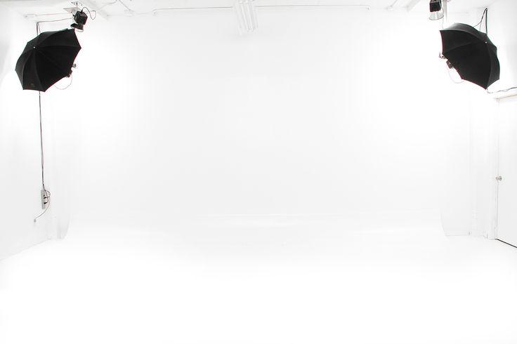 Studio photo à louer à Montréal , tout équipé, stationnement, pour photographes professionnels ou projets privés