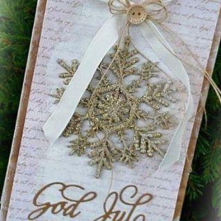Julekort med #papirdesign sine produkter 💛  #julekort #jul #christmascard #craft #papercraft #scrapping #instacraft #kortlaging#cardmaking #papirpose #homemade #madebyme #DIY