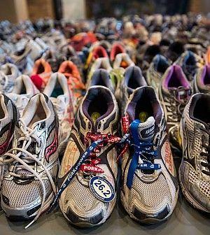 Oggi vengono indossate più spesso nel normale abbigliamento quotidiano.Questa evoluzione dell'uso delle scarpe da ginnastica ha portato all'immissione in commercio di articoli sempre più elaborati dal punto di vista della rifinitura estetica.
