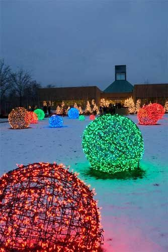 Christmas Light Balls - made with Chicken coop wire!