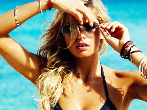beachwearBeach Waves, Summer Looks, Beachstyle, Summer Hair, Beach Style, Beautiful, Jessica Hart, Big Waves, Beach Hair