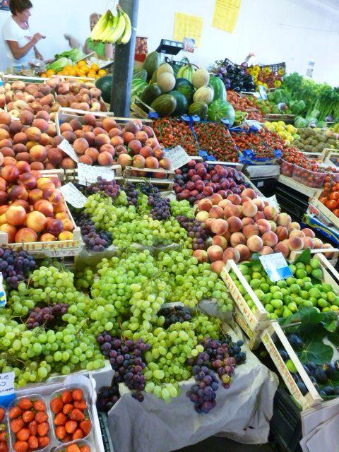 Markt Alghero Italië                                                   Market Alghero Italy                                                 Fresh produce