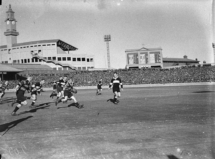 Rugby League match, at the Sydney Cricket Ground in 1935. v@e.