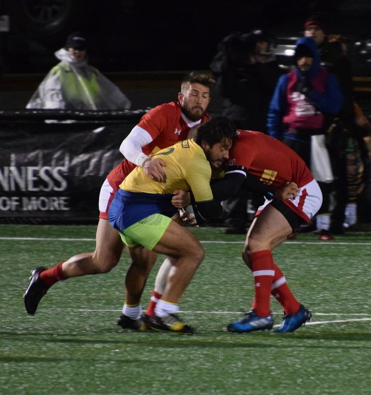 Brazil and Canada fight for possession of rugby ball. #rugbyfreak #sofreaky #loverugby #rugby #rugbycanada #teambrazil #teamcanada #ARC