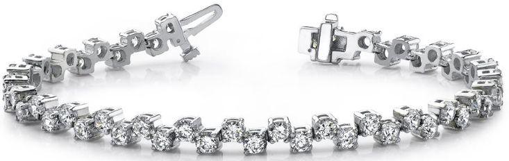 6.00 Karat Diamant Armband aus 585er Weißgold gefertigt - Dieses Diamant Armband ist für nur 7380.00 Euro bei www.juwelierhausabt.de erhältlich.