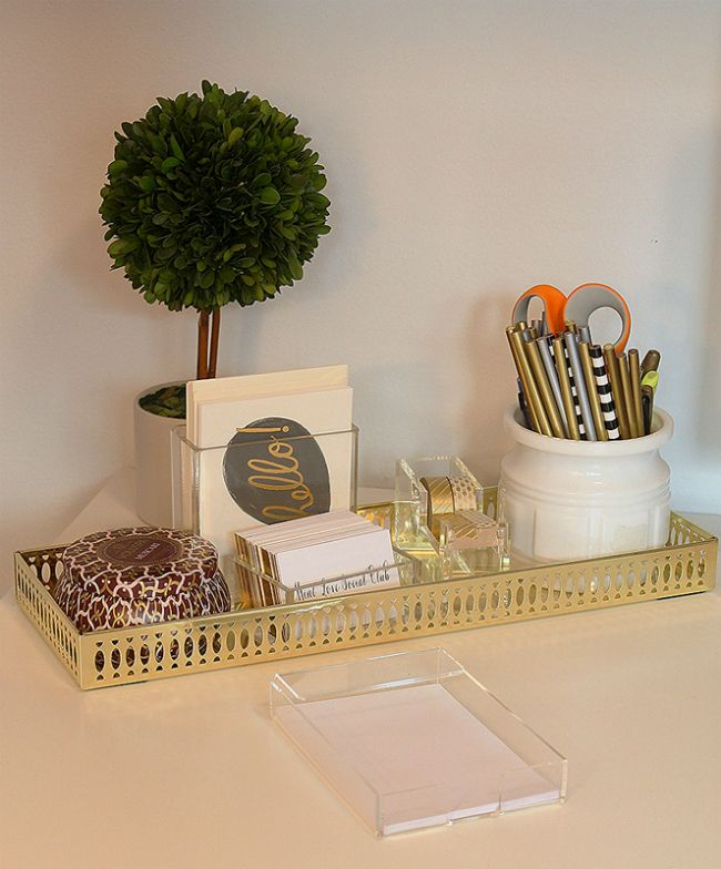 LOVE this tray and arrangement of desk items // mint love social club