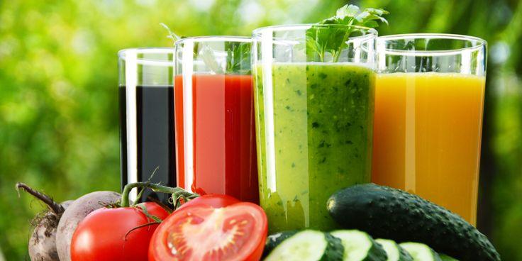 Всевозможные детокс-программы завоёвывают мир. Голодание на воде, соковый детокс, разгрузочные диеты... Предлагаем вам гид по детокс-программам, которые можно испробовать в домашних условиях без негативных последствий для здоровья.