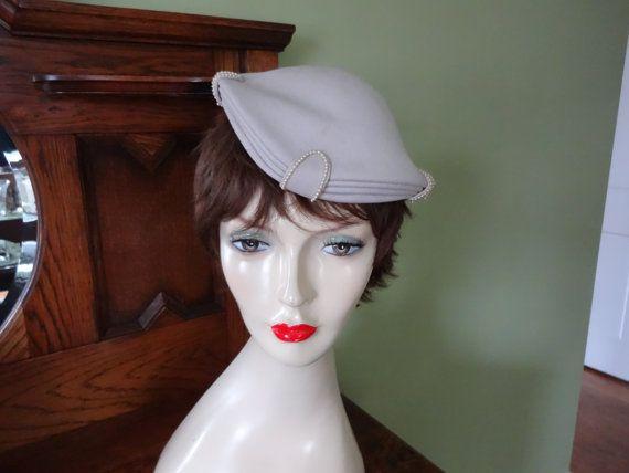 Vintage Cocktail Hat  1950s Tilt Hat  Widow's Peak