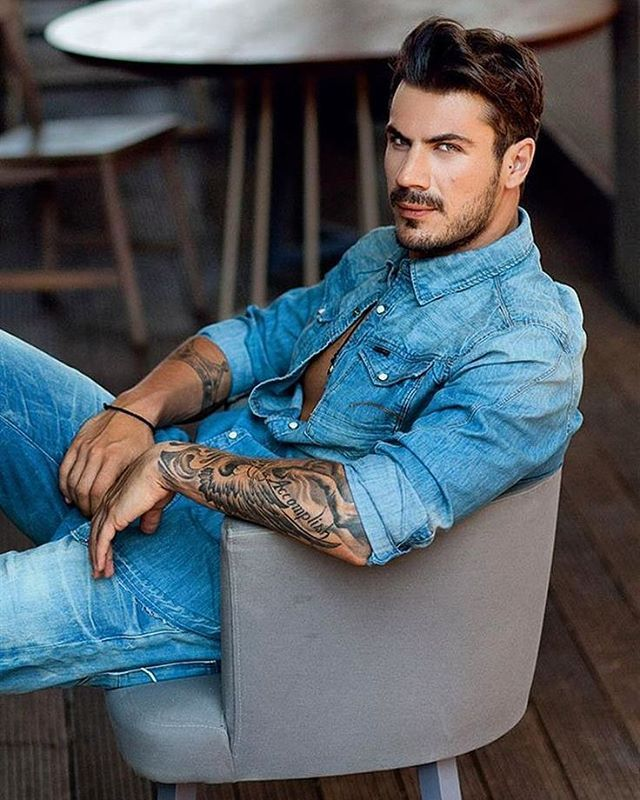 Greek men are the sexiest. Akis Petretzikis, famous chef in Greece.