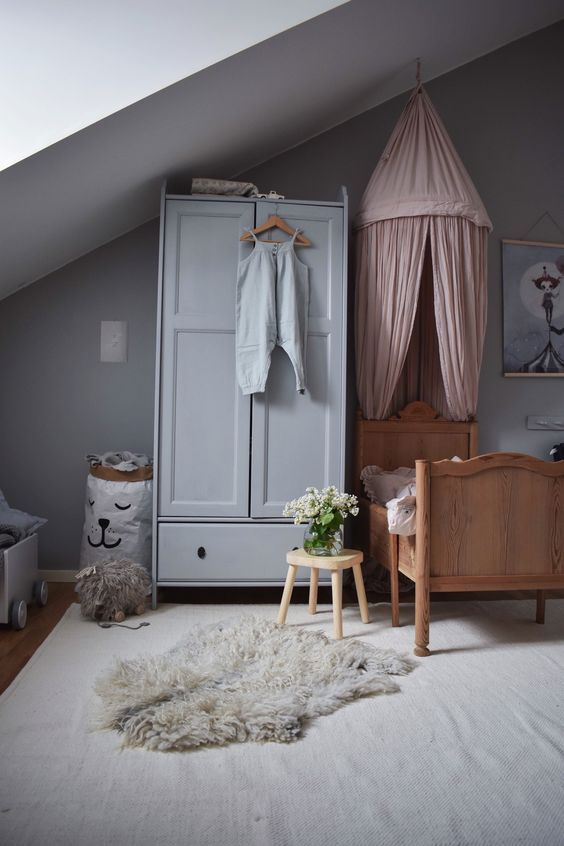 SOMETHING BEAUTIFUL: Little girls room in grey and dusty pink
