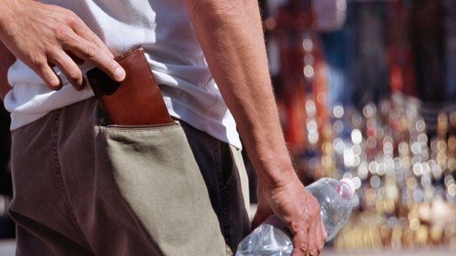 A zsebtolvajok szinte mindenhol megtalálhatók, de a nagyobb városok és turisták által kedvelt helyek mágnesként vonzzák őket.