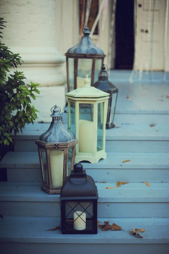 For the front porch steps    The Wedding Post of Arkansas wedding blog: Real Arkansas Wedding: Kneuven-Harris