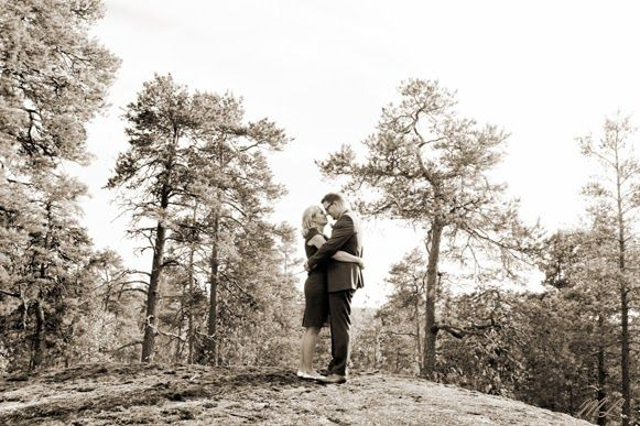 Wedding portrait, Sipoo, Finland. Photographer Mari Lehtisalo