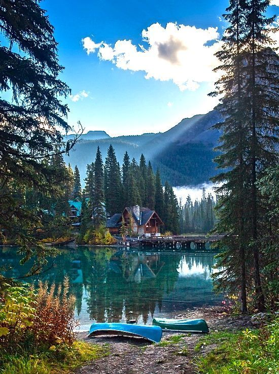 This weeks travel pinspiration highlights 7 beautiful lakes around the world.