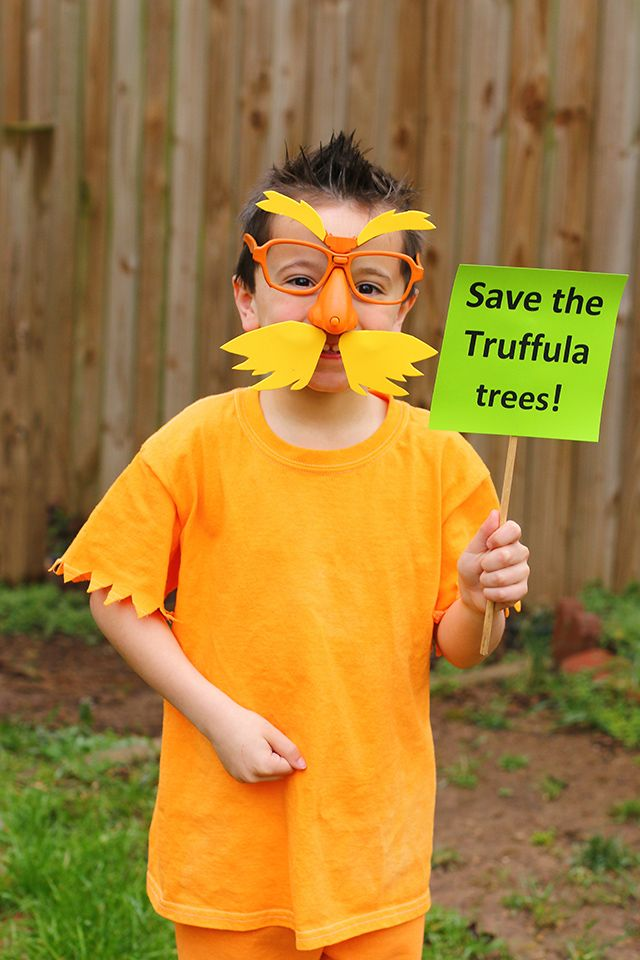 The Lorax Costume Diy Dr Seuss Costume The Mom Creative Character Halloween Costumes Lorax Costume Book Week Costume