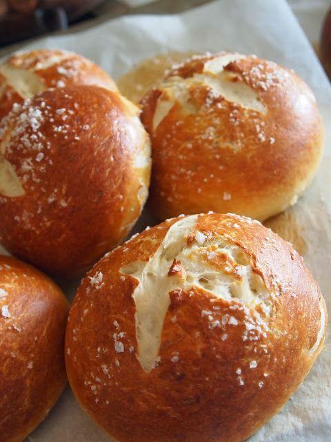 Соблазн простоты. Свежие булочки к завтраку.  http://wellnessavvy.com/