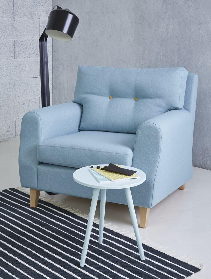 Piristä olohuonetta raikkailla väreillä ja lumoavilla yksityiskohdilla.