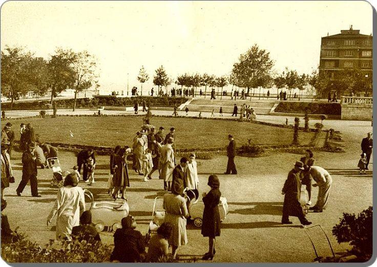 İstanbul_ Taksim / Gezi parkı - 1944