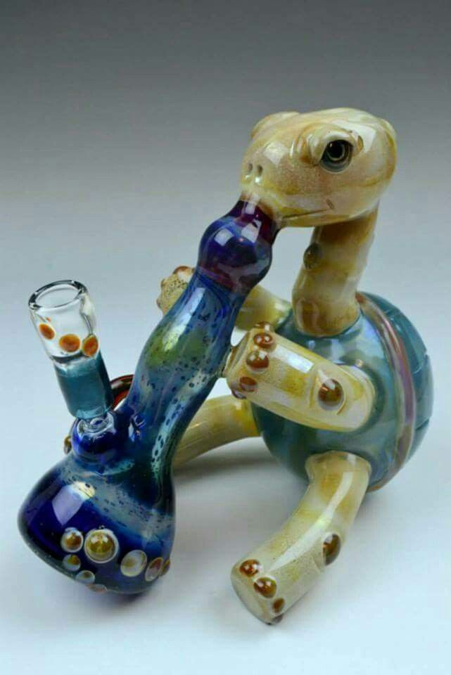 Turtle crystal pipe