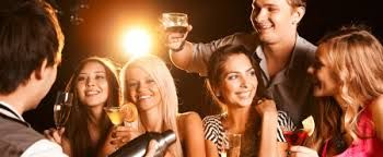 We are provide best services of food, snacks and drinks like smoked lamb burger, cocktail and all restaurant in delhi.