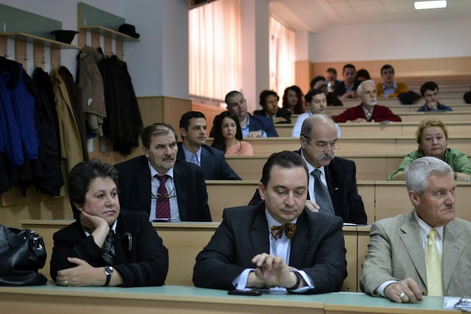 Prof.univ.Dr. Victor Iliescu, profesor la Universitatea Tehnica de Constructii din Bucuresti ,autor a 17 carti de specialitate si a peste 50 de articole, director in Ministerul invatamantului, preocupat.de subiectele de granita ale cercetarii stiintifice