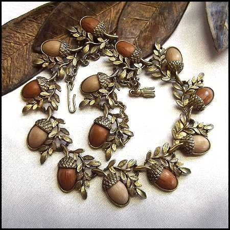Google Image Result for http://pl.b5z.net/i/u/6101765/i/necklaces1/acorn-wood-necklace-1.jpg: Google Image, Bing Images, Wood Nature Jewels, Jewelry Ideas, Bead Jewelry