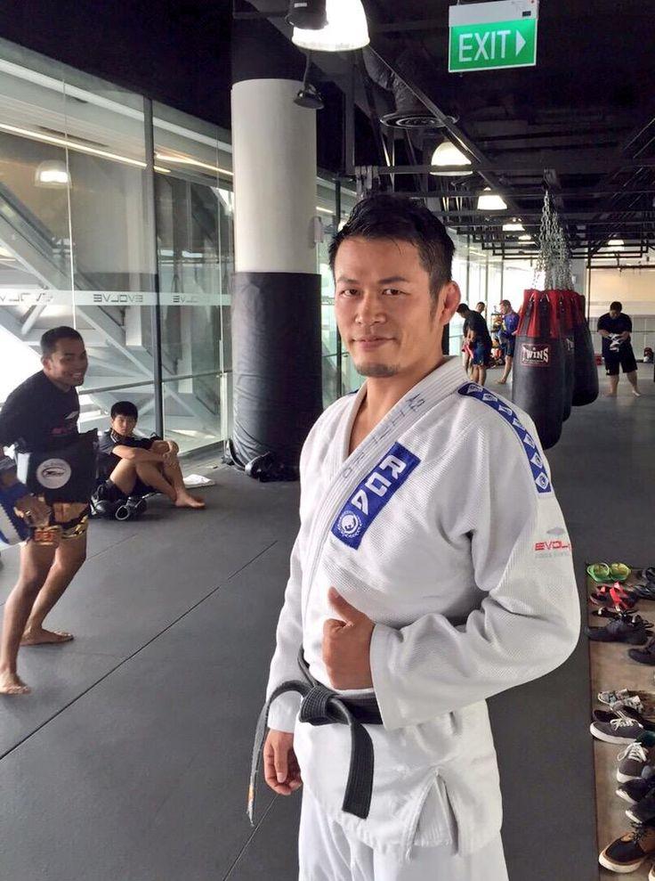 I went to EVOLVE gym so as to do Jiu-Jitsu. This gym had nice atmosphere for training.