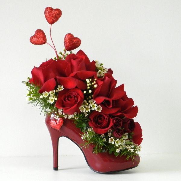 valentinstag ideen rote rosen herzen schuh originell