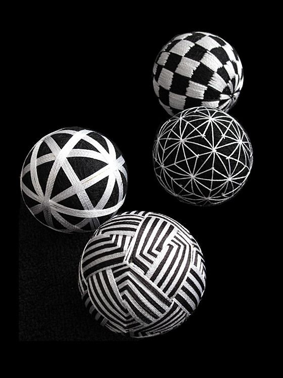 Japanese traditional handmade balls, Temari 手鞠                                                                                                                                                                                 もっと見る