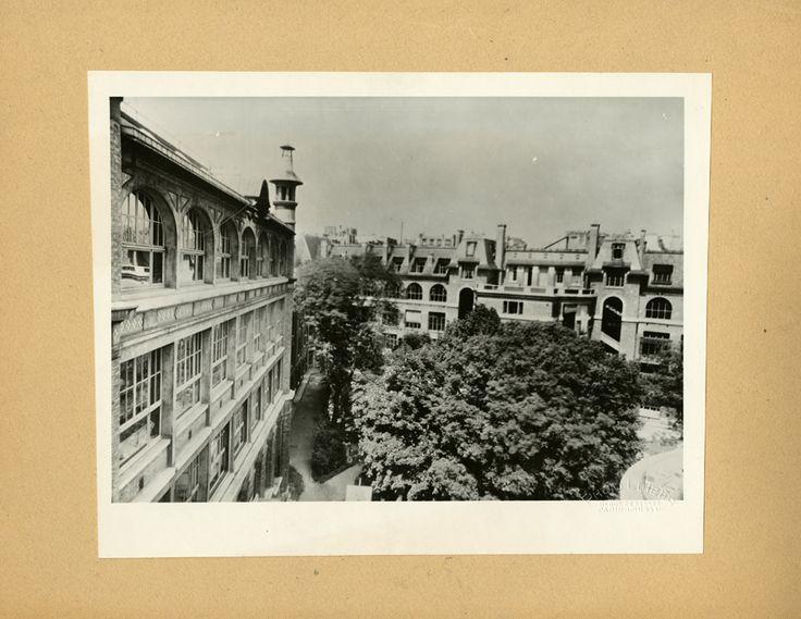 Paris Claude Bernard, cour de l'école vue du toit, photographie ancienne /  © Musée du Vivant - AgroParisTech