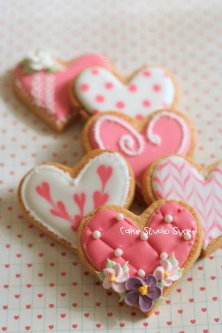 Heart Cookies for Valentine's Day | cookies | baking | holidays | Valentine's Day