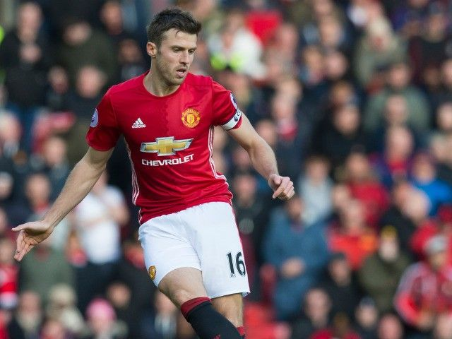 Manchester United's Michael Carrick: 'Point against Everton nowhere near enough'