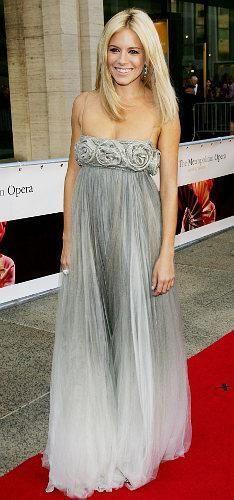 Сиена миллер в платье