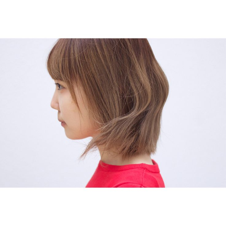 🐿 . 大学生のお客様🙌🏻 . 菊池チャンと一緒に来た #森井チャン . BEFORE → AFTER . #暗くしたい & #インナーカラー 入れたい あとは #おまかせ って事で ☟ 彼女は #髪が少なく #軟毛 #ストレート ってこれは #切りっぱなしボブ がとっても活きる髪質で、 更に彼女のキャラにぴったり⚡️ . 前髪もスクエアなワイドバングに☝🏻 . ポイントはテキトーに乾かす事です🙃 . #きくちともりい #ワンレン女子 #ワイドバング #インナーカラー #ありがとうございました #サロンワーク #ビフォーアフター #ショートボブ #ショートヘア #撮影 #髪切りたい #作品撮り #サロン撮影 #ポートレート #ヘアスタイル #ヘアカタ #ヘアカタログ #グラボブ #ワンレンボブ #サロンモデル #表参道美容室 #パンとエスプレッソと #cityshopnoodle