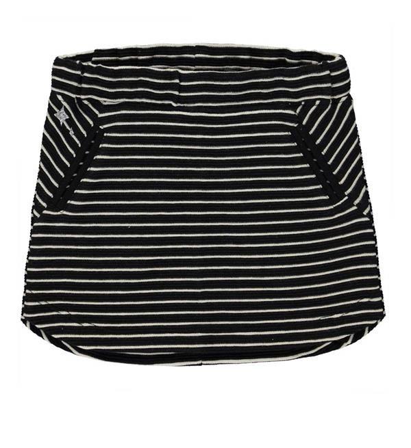 Tumble 'n Dry sweat rok model North. Dit mini rokje met streepdessin is afgewerkt met twee steekzakken aan de voorzijde.