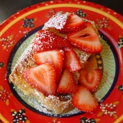 Straw. Cream Cheese French Toast | sweet tooth | Pinterest