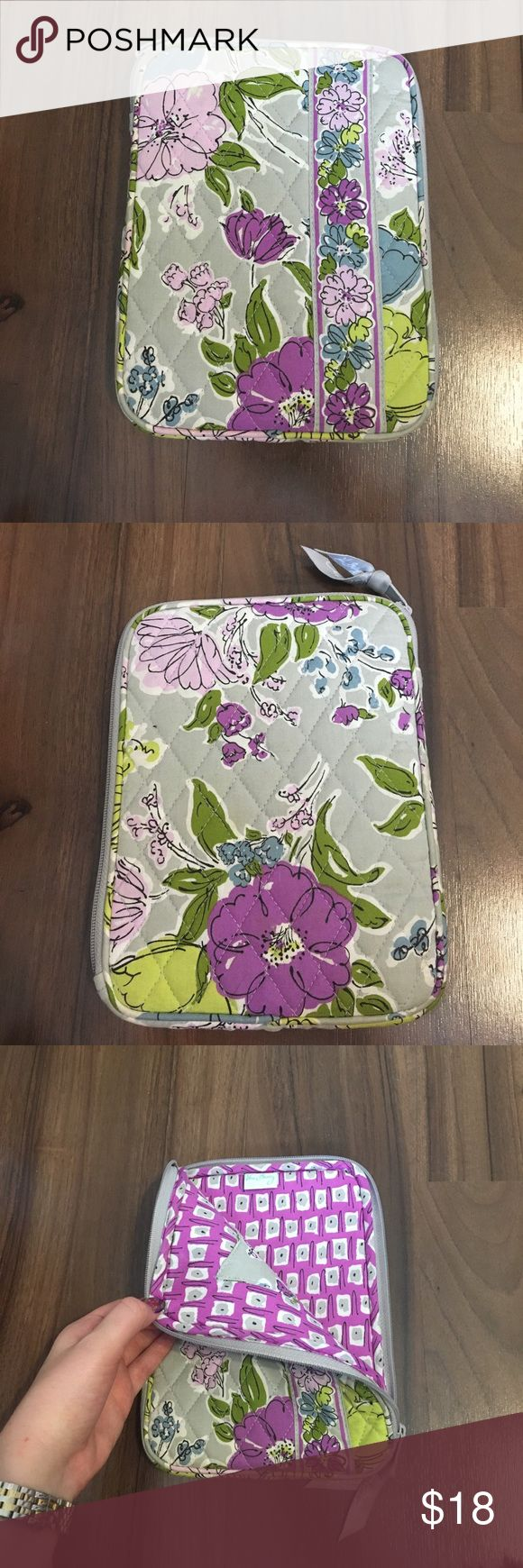 """Vera Bradley Watercolor Tablet/Kindle/Nook Case I am selling this gently used Vera Bradley tablet case! Dimensions are 6.5"""" x 9"""" Comes in the pattern Watercolor. Reasonable offers made through the offer button are always welcomed! Vera Bradley Bags Laptop Bags"""