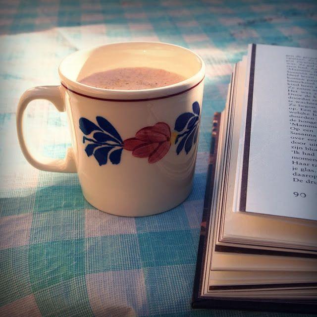 Hayat sana güzel işte...   Başucunda varsa okuyacak iyi bir kitabın Yanında bir fincan kahven ya da şarabın #kitap #alintilar #hergunbirsoz  #kitapalintilari http://kozmikhayat.blogspot.com.tr/2016/01/hayat-sana-guzel-iste.html