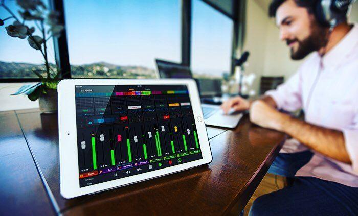 Pro Tools   Control combina la perfecta integración de #hardware y #software y la potencia de la comunicación de alta velocidad de la tecnología EUCON con los avances en tecnología multitáctil de iOS. http://ift.tt/2kkuPSq #ProTools #Control #Audio #Ipad