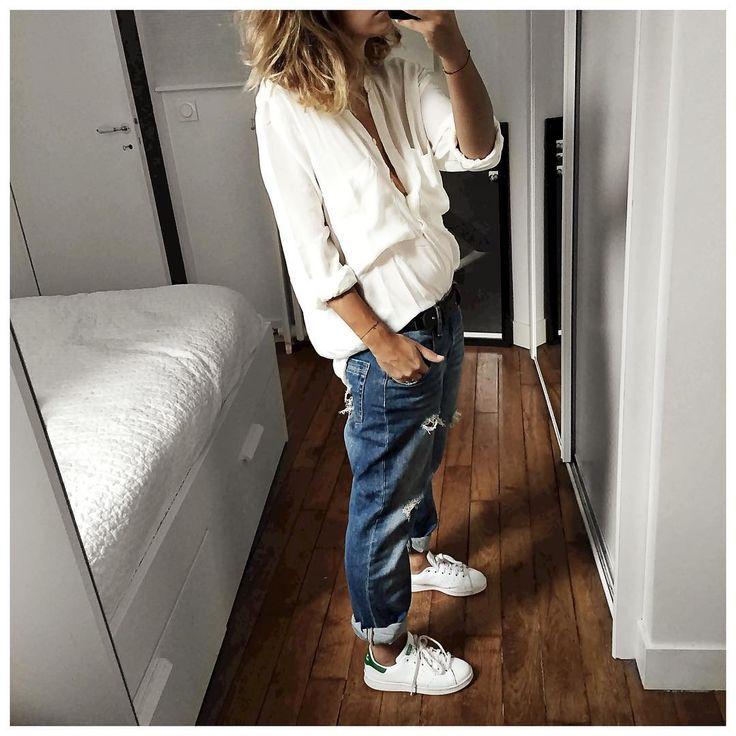 """Tenue du samedi : jean bleu et haut blanc encore et toujours! • Silk Shirt #magalipascal (on @magalipascal) • Leather Belt #swildens (on @swildens_fr) •…"""