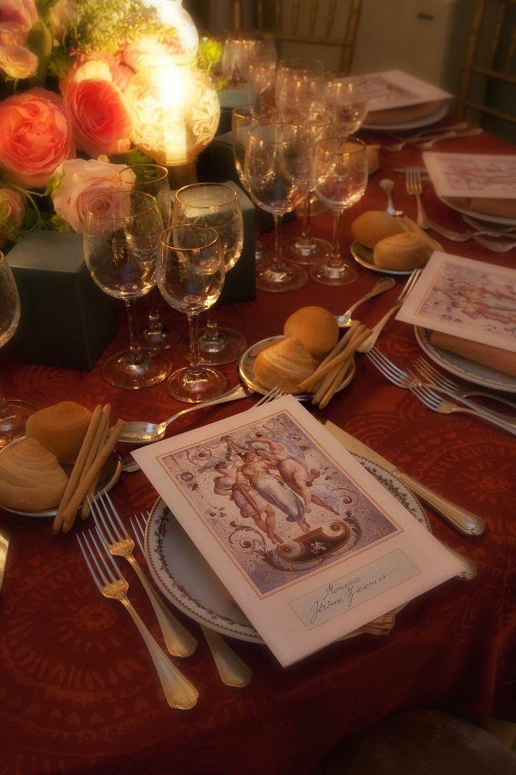 Mise en place per la cena presso il Palazzo Reale di Venezia Matteo Corvino set Design #flower, #design