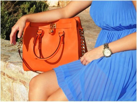 Michael Kors Hamilton Bag #michaelkors #mk #bags #hamilton #brown #leather #shoulderbag #boutique #luxurybag #streetstyle #online #shippingworldwide #crossbodybag #handbag #stylish #prada #likeforlike #photooftheday # followme