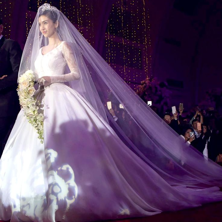 Find More Bridal Veils Information About Elegant 4m Cathedral Wedding 2016 Formal Women Church Accessories Velos De Novia Voile