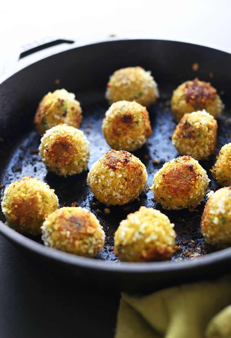 AMAZING 30-Minute TURMERIC Chickpea Fritters! Little falafel like pillows of bliss and SO healthy! #healthy #vegan #recipe #chickpea #turmeric #dinner #minimalistbaker