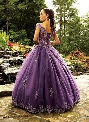 Love this purple princess gown:)❤️