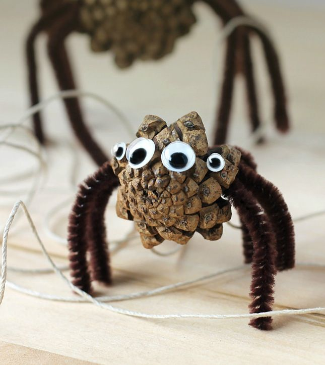 Turn a pinecone into a spider with this easy Halloween DIY project.