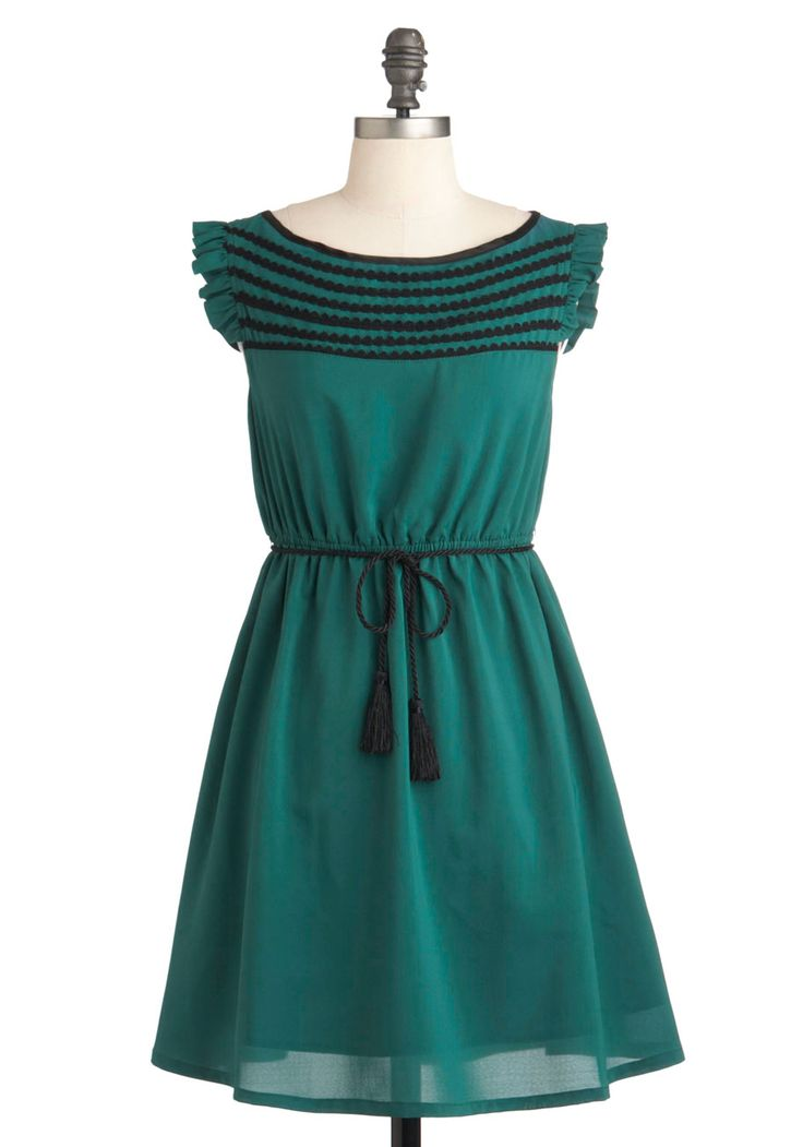 Read the Pine Print Dress by Tulle Clothing - Short, Green, Solid, Trim, Casual, Vintage Inspired, Empire, Summer, Belted, Sleeveless