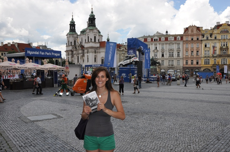 Bootlicker and Jade Ryan roaming Town Square in Prague!