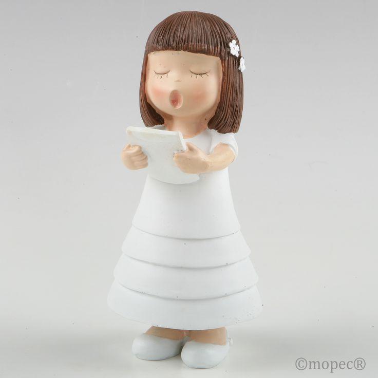 Con cierto aire asiático y de expresión concentrada en el canto, esta figura para pastel es extremadamente delicada y un éxito de ventas seguro.