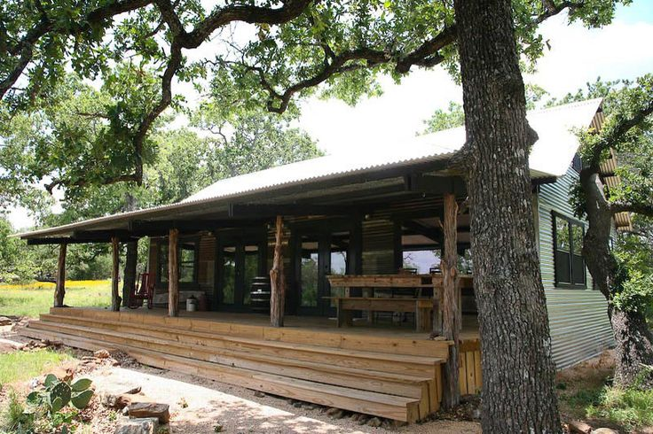 Blackjack ridge tin roof cottage bed and breakfast for Cabins near fredericksburg tx